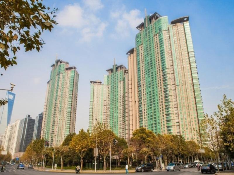 A lot of the apartments in Shanghai are placed in high-rise buildings.