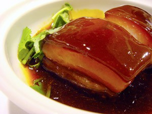 Shanghai cuisine can fit expats living in Shanghai.