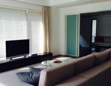 Lakeside Ville Living Room