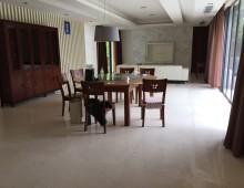 Villa Riviera Dining Room
