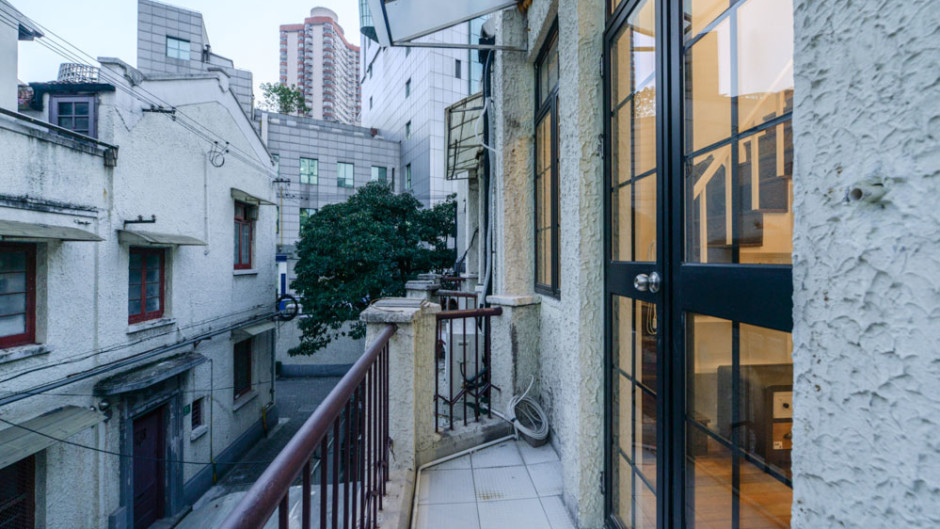 Shanghai Lane House Loft Apartment for rent near Jing'an Temple