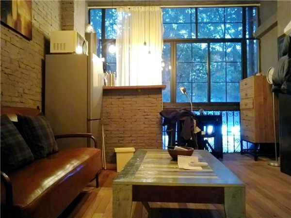 Shanghai French Concession lane house rent on Yong Kang road
