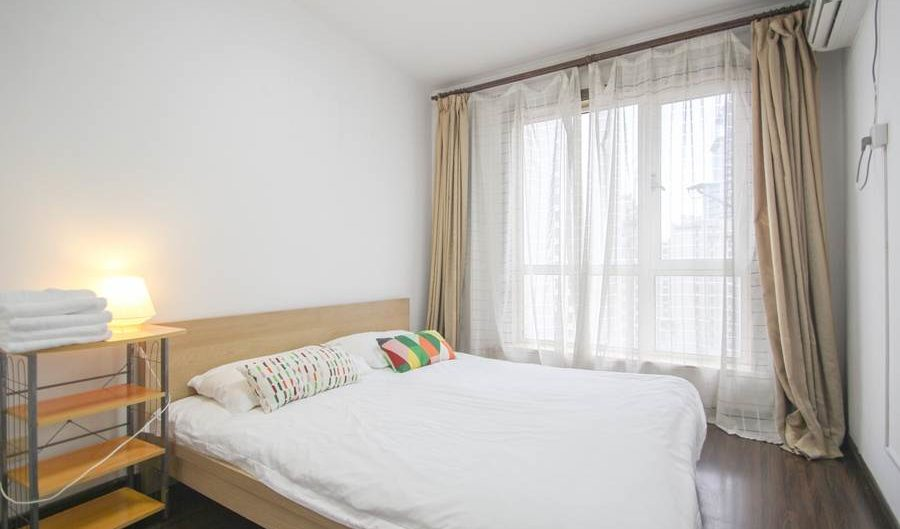 People square apartment for rent in shanghai