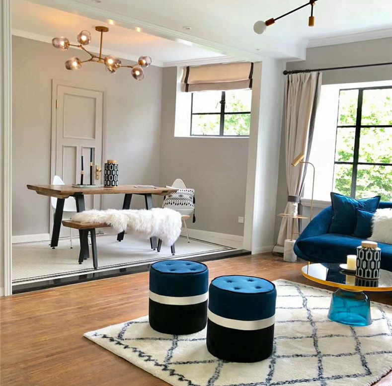 Shanghai flat to rent in old apartment near jing an temple