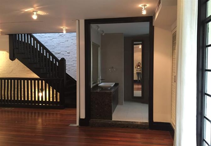 Rent old lane house in French Concession Shanghai