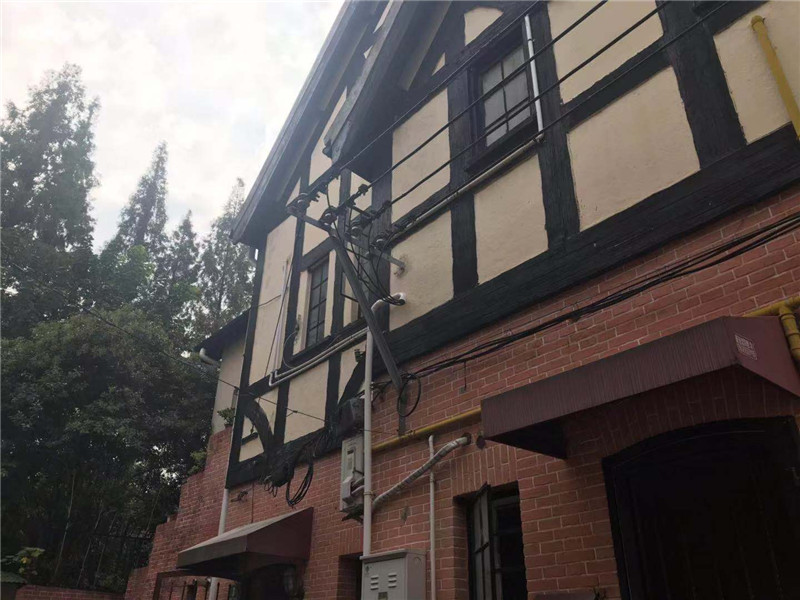Rent Shanghai old House with Garden in Former French ConcessionRent Shanghai old House with Garden in Former French Concession