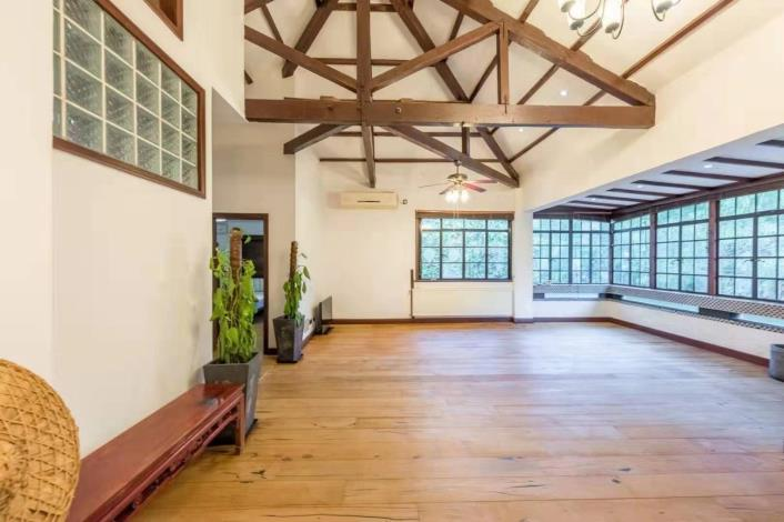 Rent Xuhui Shanghai lane house in French Concession to rent for expats housing