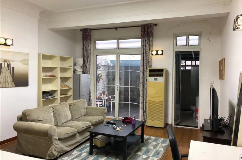 studio apartment to rent near jiang su rd& Zhong Shan Park
